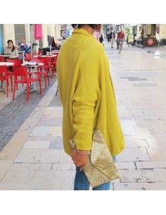 Pochette dorée brodée