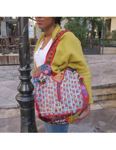 Gros sac cabas tissu patchwork et pompoms