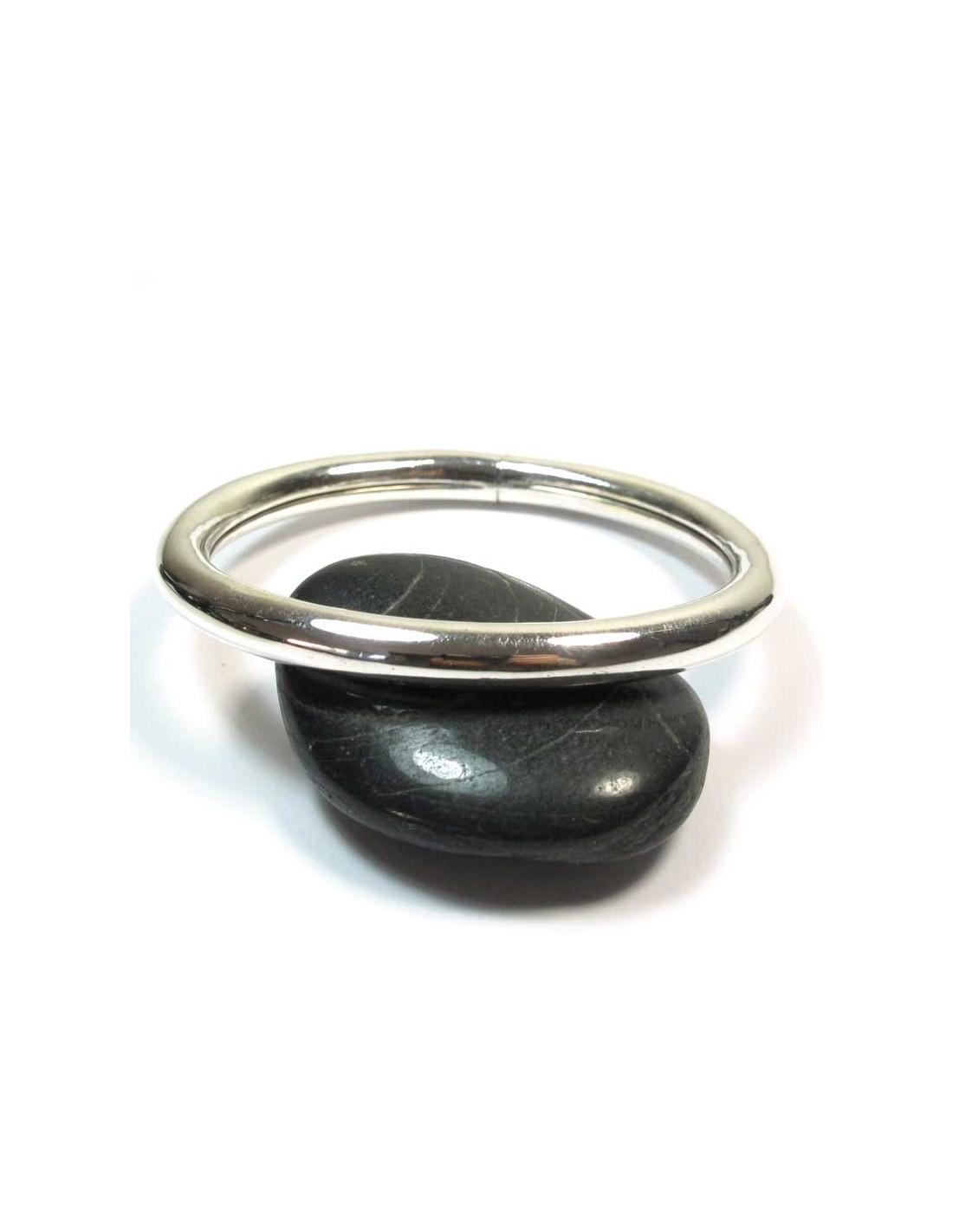 jonc ovale en argent bracelets argent br59. Black Bedroom Furniture Sets. Home Design Ideas