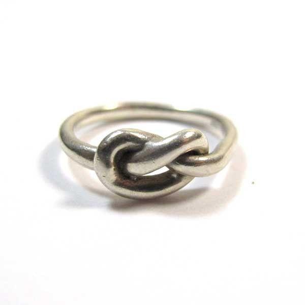 bague fine en argent avec noeud anneaux fins en argent ba53. Black Bedroom Furniture Sets. Home Design Ideas