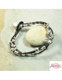 bracelet cuir et perles en métal argenté