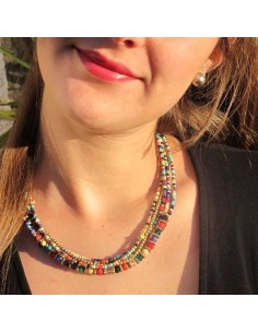 collier 5 rangs à perles multicolores