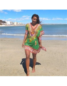 Tunique colorée avec personnages africains