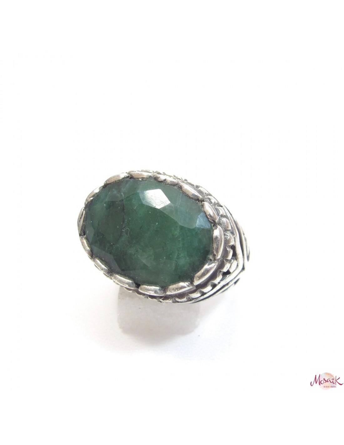 bague argent ovale et pierre verte bijoux en emeraude b162. Black Bedroom Furniture Sets. Home Design Ideas