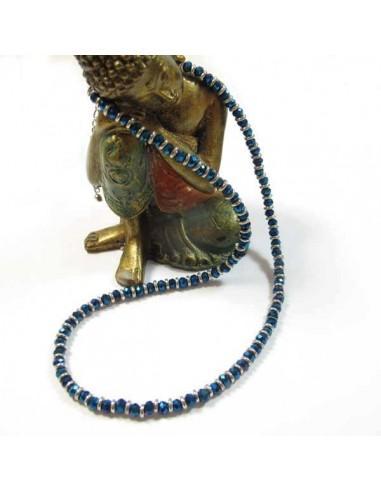 collier court en perles bleues irisées