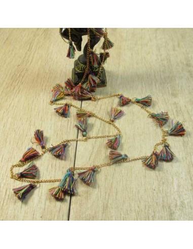 collier à pompons multicolores