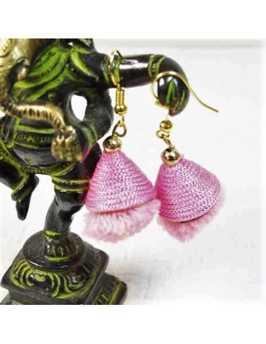 Boucles d'oreilles pompons roses
