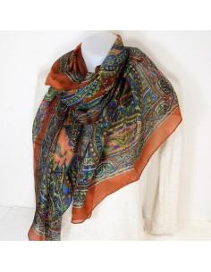 Foulard en soie ocre à motifs
