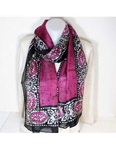 foulard en soie noir et rose