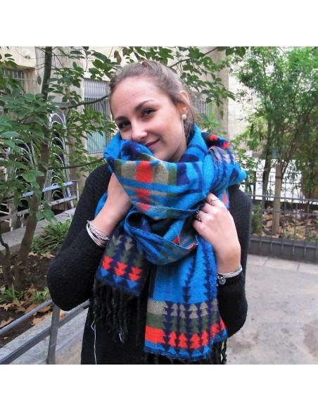 Grande écharpe turquoise et noire à motifs
