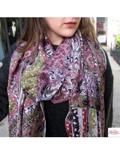 Long foulard motifs fleurs