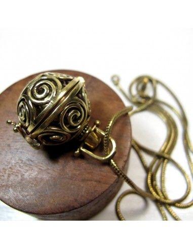 collier bola pour femme enceinte bijoux de grossesse bf134. Black Bedroom Furniture Sets. Home Design Ideas