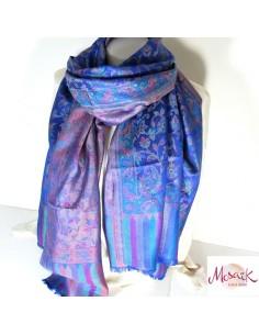 Etole en soie bleue fleurie