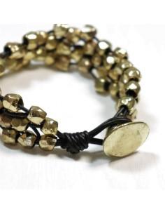 Bracelet cuir et perles dorées 2