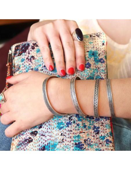 Bracelet en argent motifs ethniques