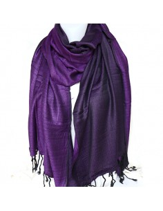 Étole violette et noire