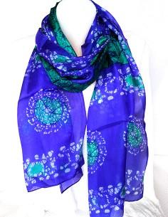 Foulard en soie violet et...