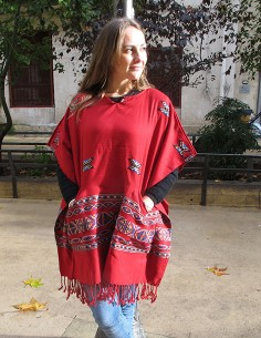 Poncho rouge indien