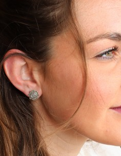 Gros clous d'oreilles... 2