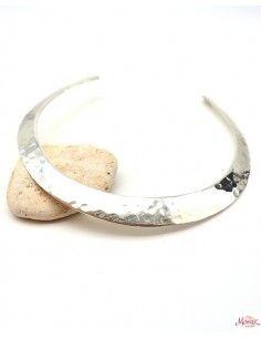 Collier épais argenté martelé rigide - Mosaik bijoux indiens