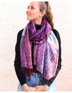 Etole violette à frise colorée
