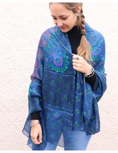 Grand foulard en soie...