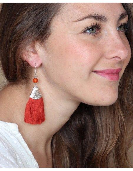 Boucles d'oreilles argentées pendantes et pompon rose - Mosaik bijoux indiens