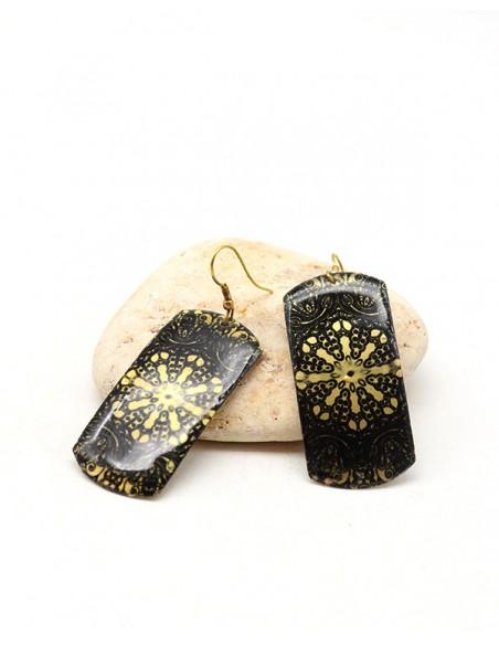 Boucles pendantes peintes noires et dorées - Mosaik bijoux indiens