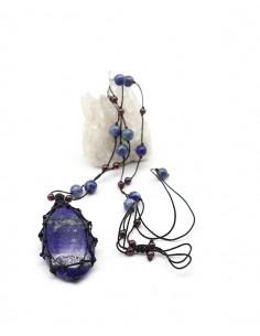Collier en lapis lazuli monté sur fil de coton