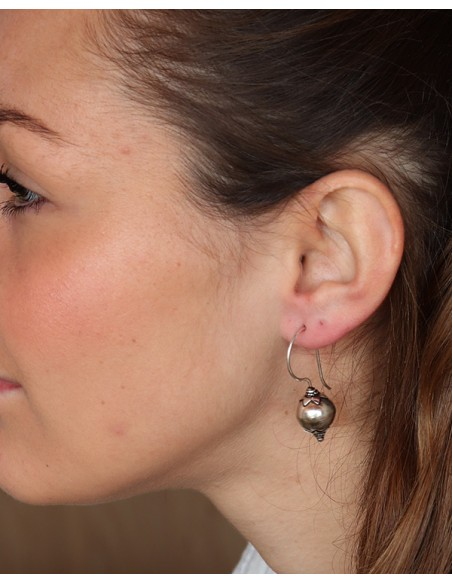 Boucles d'oreilles en argent et boules travaillées ethniques