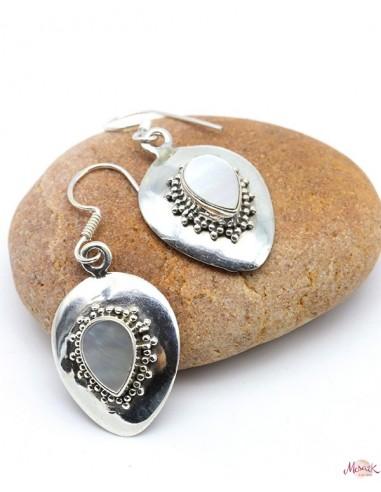 Boucles d'oreilles pendantes en argent et nacre