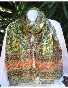 Foulard soie coloré à fleurs