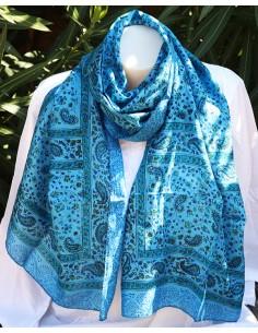 Foulard fin en soie bleu et noir à motifs