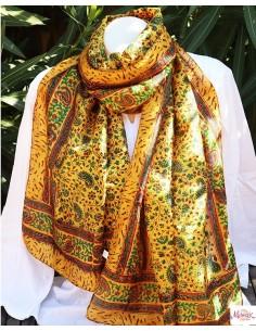 Foulard fin en soie jaune rouge et vert motifs fleuri