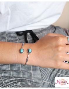 Bracelet rigide argenté et... 2