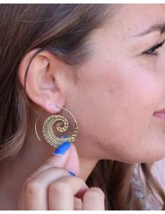 Boucles d'oreilles spirales en laiton travaillé - Mosaik bijoux indiens 2