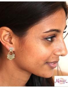 Clou d'oreille doré travaillé  -Mosaik bijoux indiens 2
