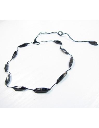 collier en onyx noir et fil