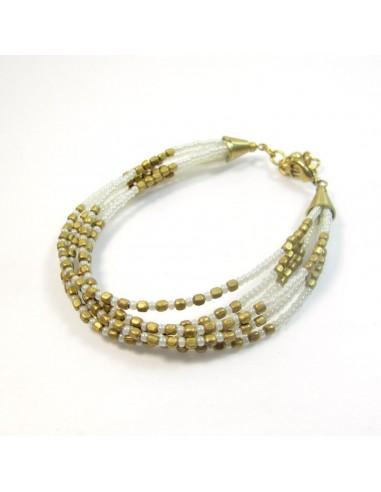 Bracelet à perles blanches et dorées