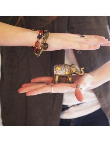 Bracelet perles colorées et pièces dorées