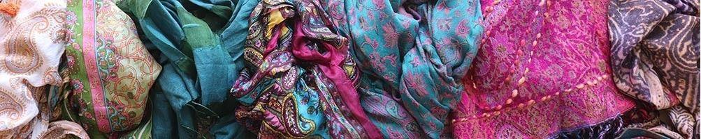 Foulards, étoles et écharpes colorés d' Inde | Boutique Mosaik
