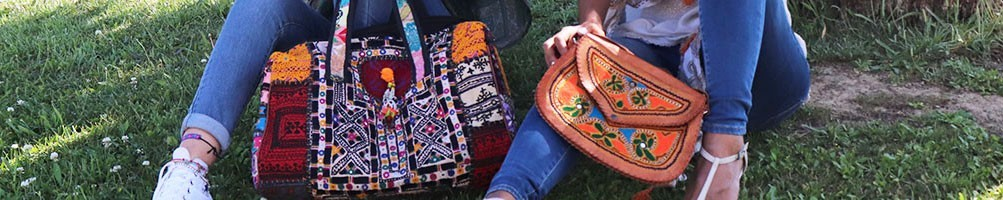 Sacs et pochettes colorés et brodés d'Inde - Mosaik bijoux indiens