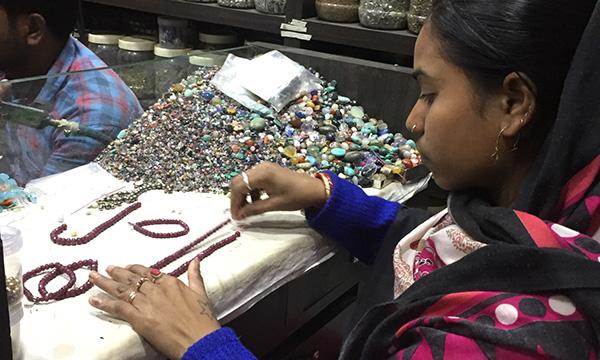 fabrication des bijoux en pierres