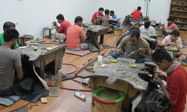 travail des bijoux en pierre Jaipur
