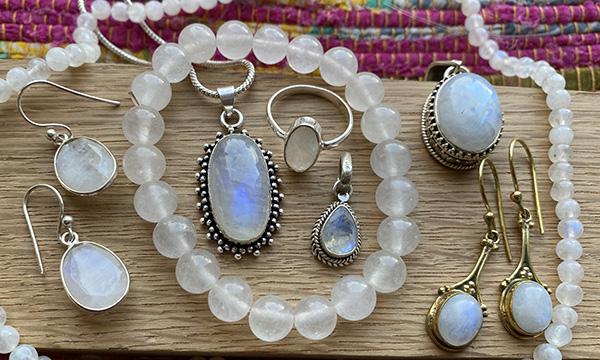 Bijoux en pierre de lune