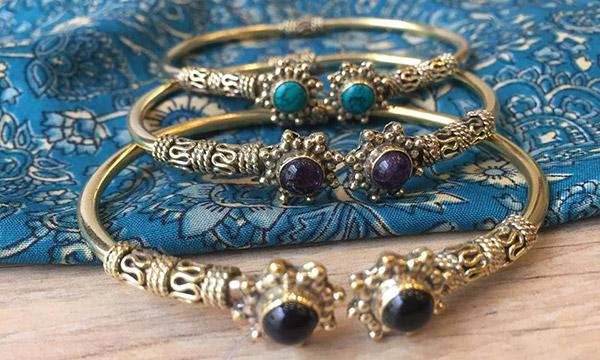 bracelets dorés laiton