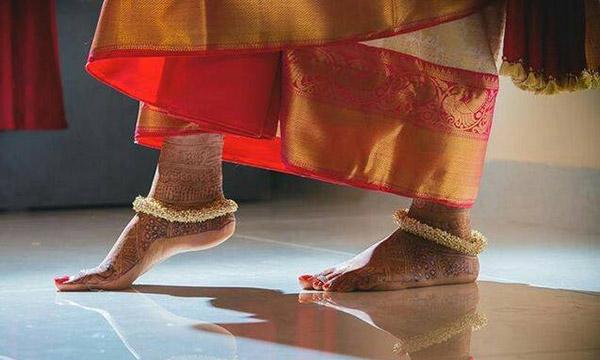 chaine de pied indienne
