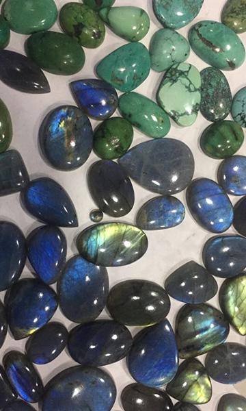 pierres cabochon