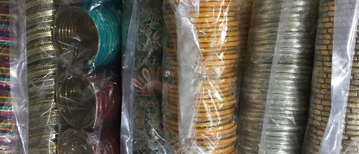 69bbc71007b5e Vente en gros bijoux fantaisie & argent, foulards et sacs | Importation  directe d'Inde | Mosaik bijoux indiens