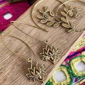 Des fans de bijoux en laiton par ici? 😘 Retrouvez toutes nos boucles d'oreilles sur le site www.bijouxindiens.net